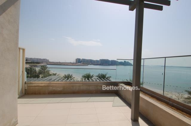 5 Bedroom Villa For Sale in  Beach Villas,  Al Raha Beach   0