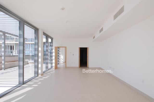 5 Bedroom Villa For Sale in  Beach Villas,  Al Raha Beach   3