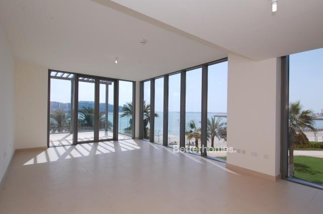 5 Bedroom Villa For Sale in  Beach Villas,  Al Raha Beach   4
