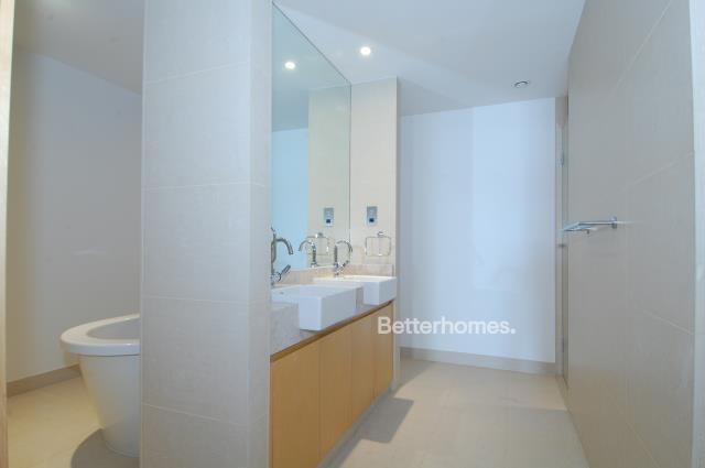5 Bedroom Villa For Sale in  Beach Villas,  Al Raha Beach   8