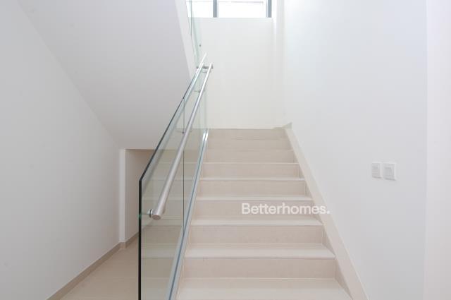 5 Bedroom Villa For Sale in  Beach Villas,  Al Raha Beach   10