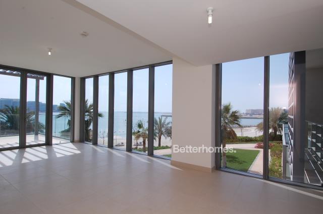 5 Bedroom Villa For Sale in  Beach Villas,  Al Raha Beach   1