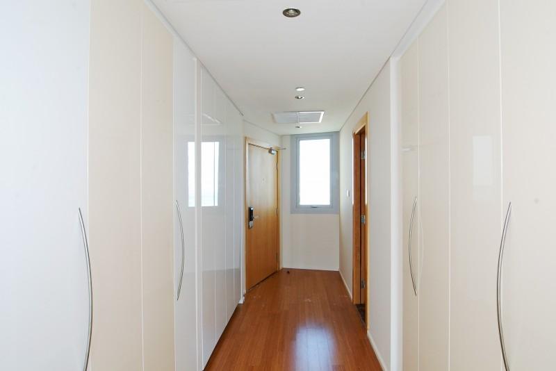 4 Bedroom Apartment For Sale in  Al Rahba,  Al Raha Beach | 8