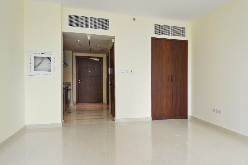 Studio Apartment For Sale in  Standpoint Tower 2,  Downtown Dubai | 3