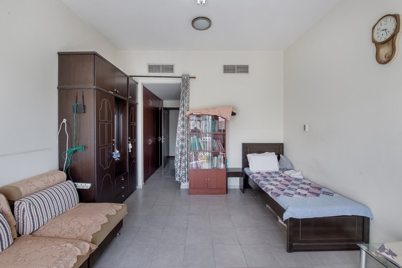1 Bedroom Apartment For Sale in  Building 38 To Building 107,  Discovery Gardens   3
