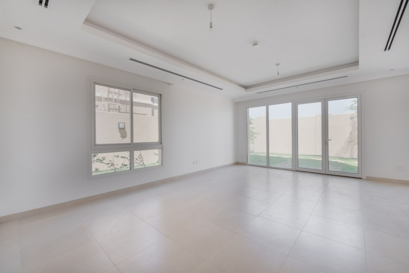 4 Bedroom Villa For Sale in  Villa Lantana 2,  Al Barsha | 2