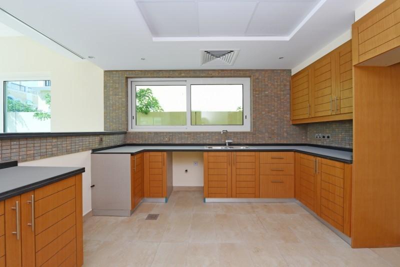 4 Bedroom Villa For Sale in  Nova Villas,  Jumeirah Park | 4