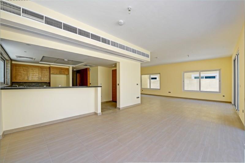 4 Bedroom Villa For Sale in  Nova Villas,  Jumeirah Park | 2