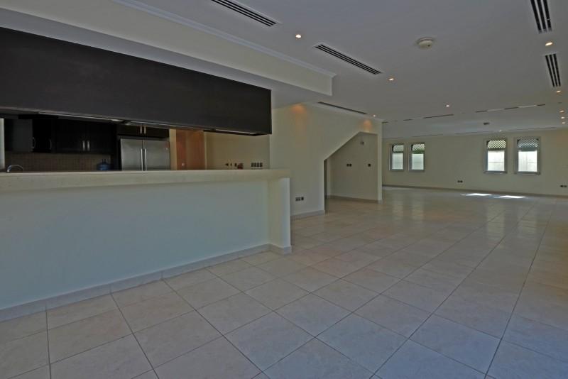 5 Bedroom Villa For Sale in  Regional,  Jumeirah Park   2