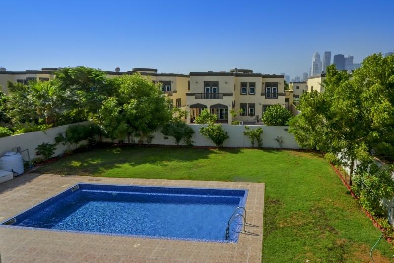 5 Bedroom Villa For Sale in  Regional,  Jumeirah Park   7