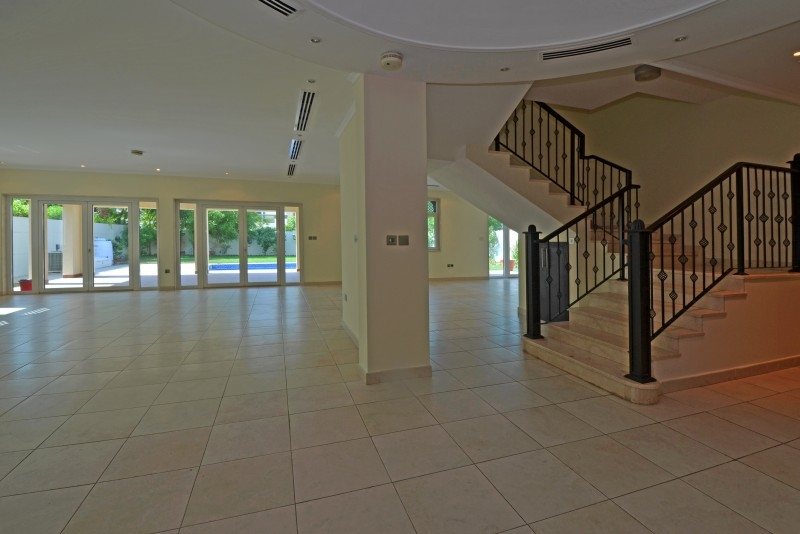 5 Bedroom Villa For Sale in  Regional,  Jumeirah Park   6