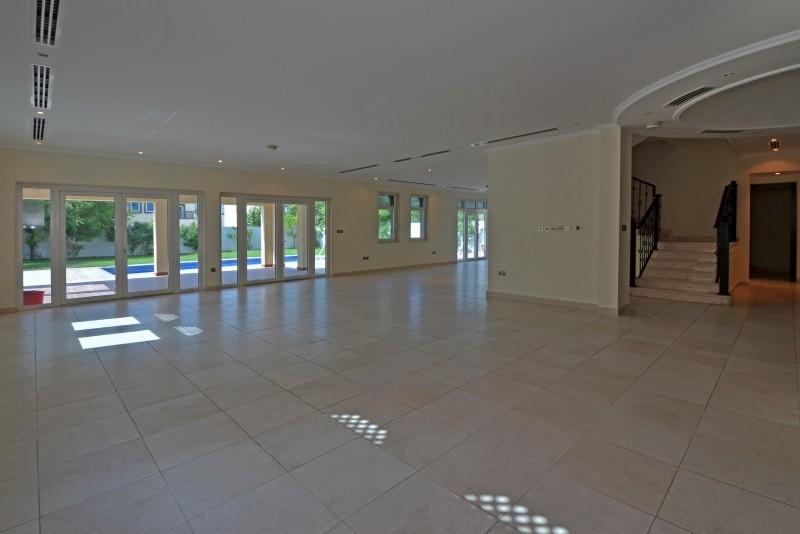 5 Bedroom Villa For Sale in  Regional,  Jumeirah Park   1