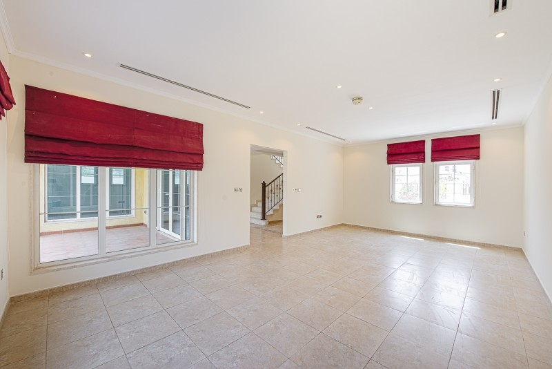 3 Bedroom Villa For Sale in  Legacy Small,  Jumeirah Park | 2