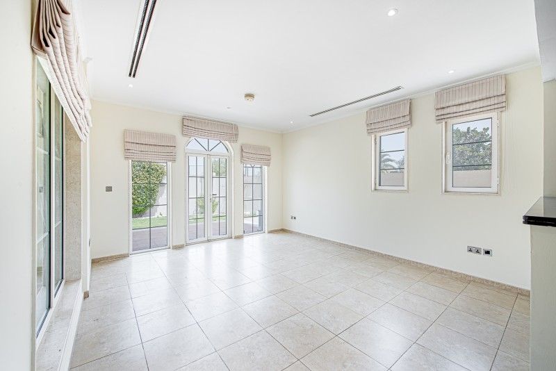 3 Bedroom Villa For Sale in  Legacy Small,  Jumeirah Park | 1