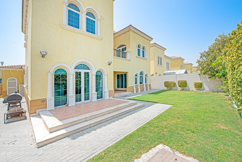 3 Bedroom Villa For Sale in  Legacy Small,  Jumeirah Park | 0