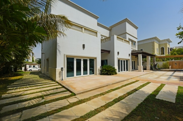 Sector Ht, Emirates Hills