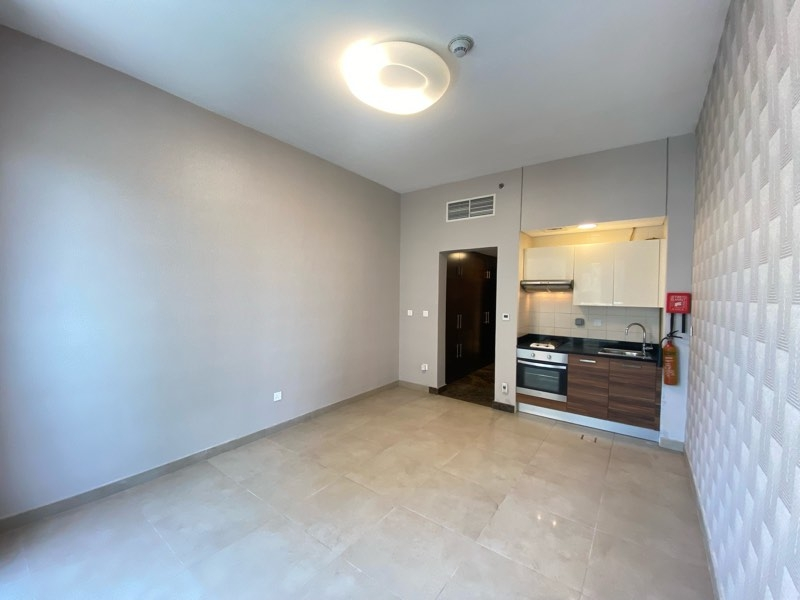 Studio Apartment For Sale in  Sparkle Tower 2,  Dubai Marina   2