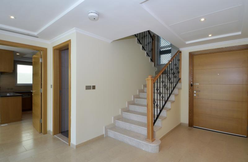 3 Bedroom Villa For Sale in  Regional Small,  Jumeirah Park   1