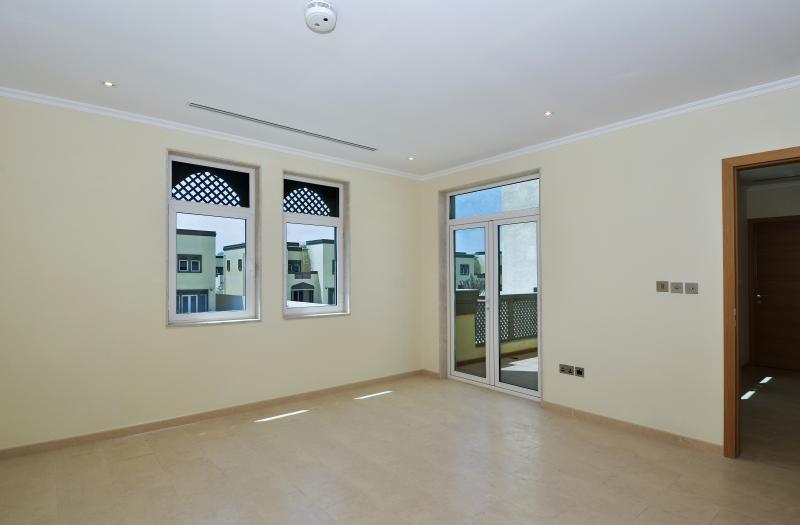 3 Bedroom Villa For Sale in  Regional Small,  Jumeirah Park   3