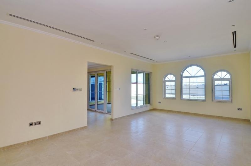 3 Bedroom Villa For Sale in  Regional Small,  Jumeirah Park   6