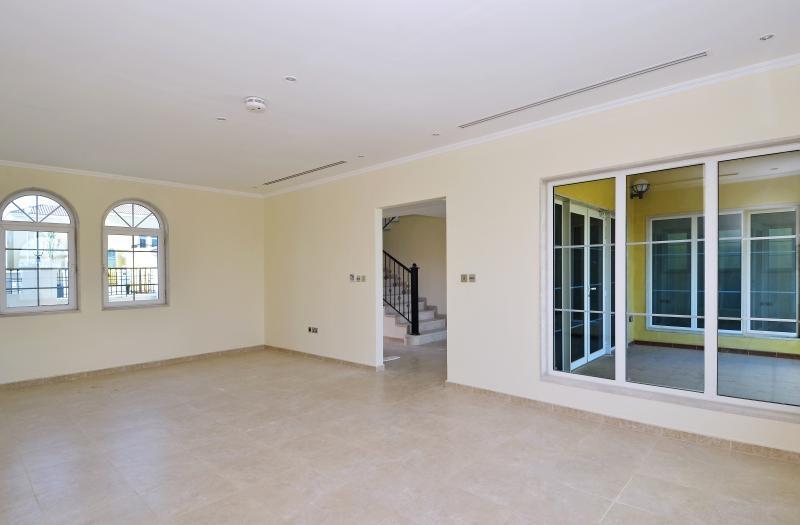 3 Bedroom Villa For Sale in  Regional Small,  Jumeirah Park   7