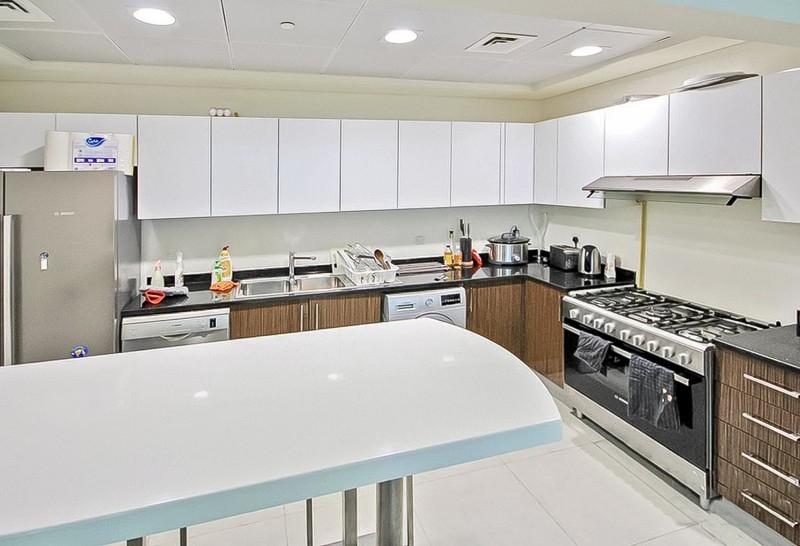 3 Bedroom Apartment For Sale in  Marina Arcade Tower,  Dubai Marina | 2