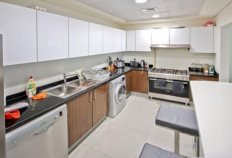 3 Bedroom Apartment For Sale in  Marina Arcade Tower,  Dubai Marina | 4