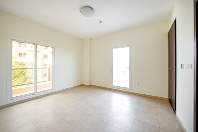 2 Bedroom Apartment For Sale in  Al Thamam 53,  Remraam   6