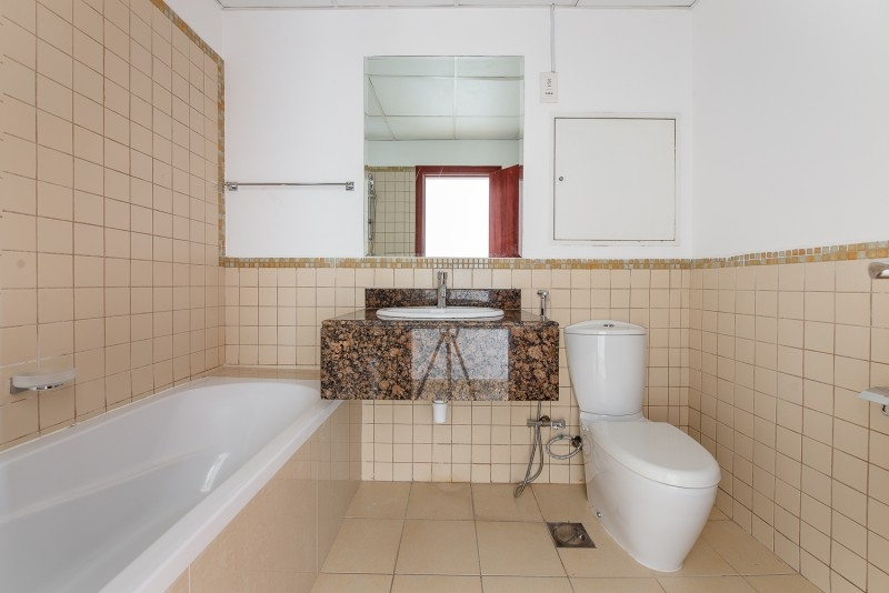 2 Bedroom Apartment For Sale in  Murjan 1,  Jumeirah Beach Residence | 10