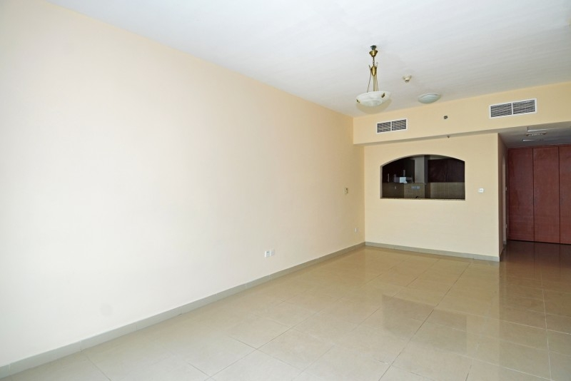1 Bedroom Apartment For Sale in  Lakepoint,  Jumeirah Lake Towers | 1