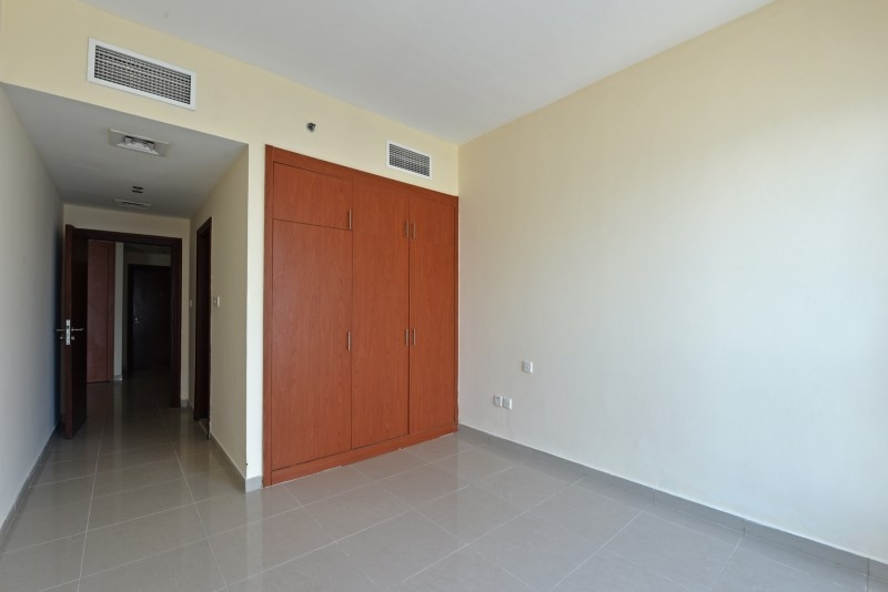 1 Bedroom Apartment For Sale in  Lakepoint,  Jumeirah Lake Towers   6