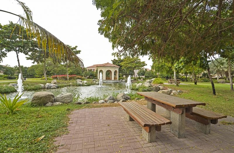 5 Bedroom Villa For Sale in  Family Villa Area,  Green Community | 14