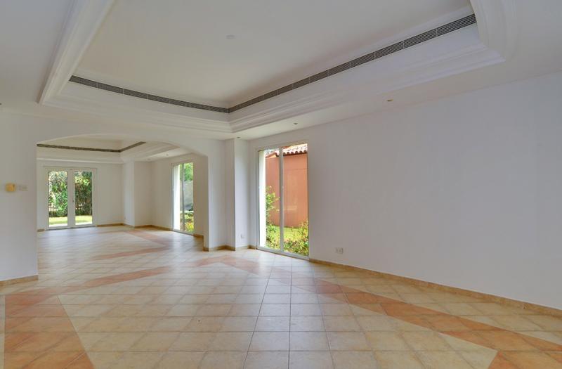 5 Bedroom Villa For Sale in  Family Villa Area,  Green Community | 3
