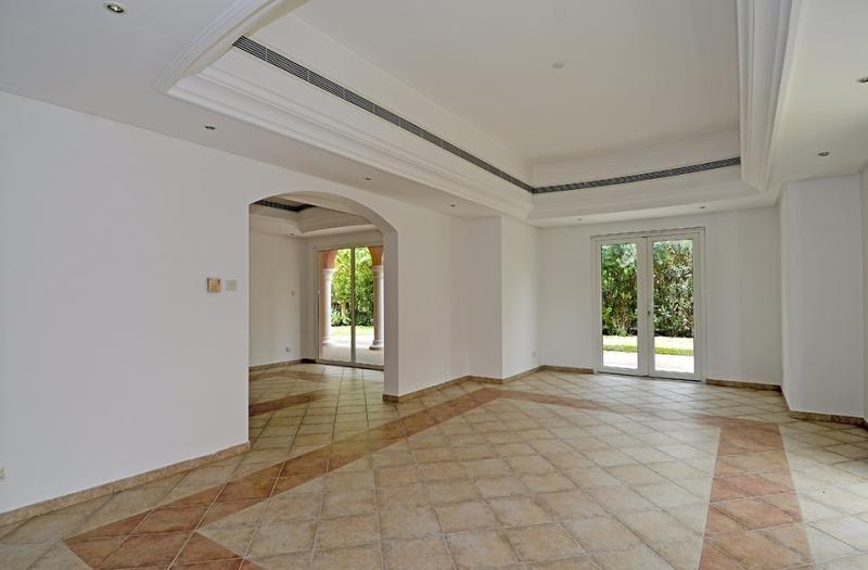 5 Bedroom Villa For Sale in  Family Villa Area,  Green Community | 4