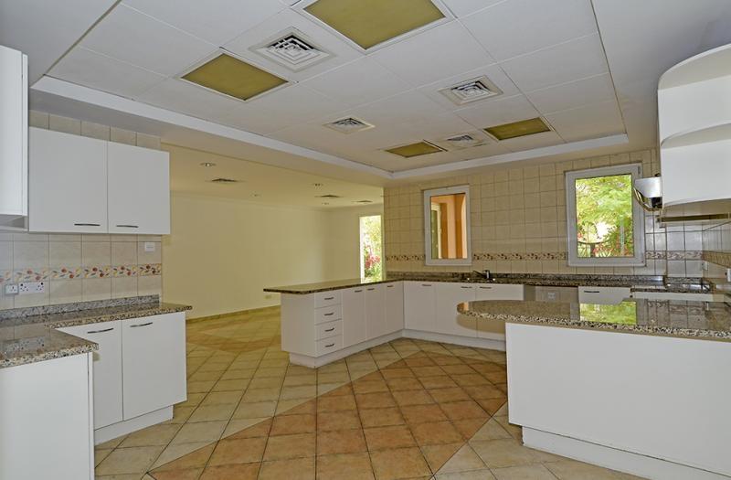 5 Bedroom Villa For Sale in  Family Villa Area,  Green Community | 9