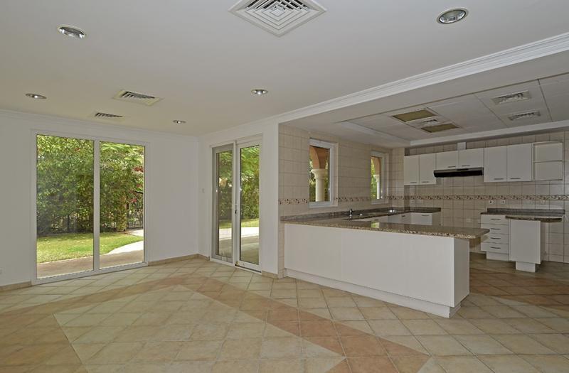 5 Bedroom Villa For Sale in  Family Villa Area,  Green Community | 10