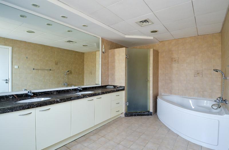 5 Bedroom Villa For Sale in  Family Villa Area,  Green Community | 11