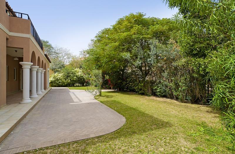 5 Bedroom Villa For Sale in  Family Villa Area,  Green Community | 2