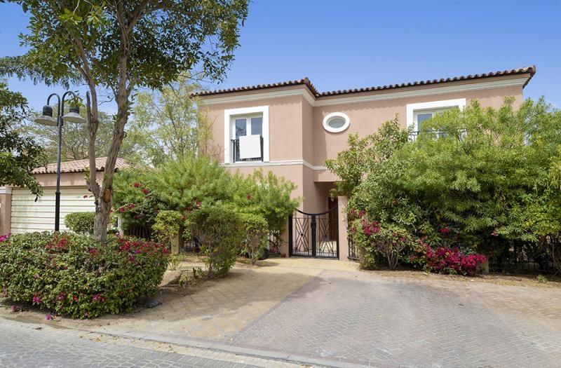 5 Bedroom Villa For Sale in  Family Villa Area,  Green Community | 16