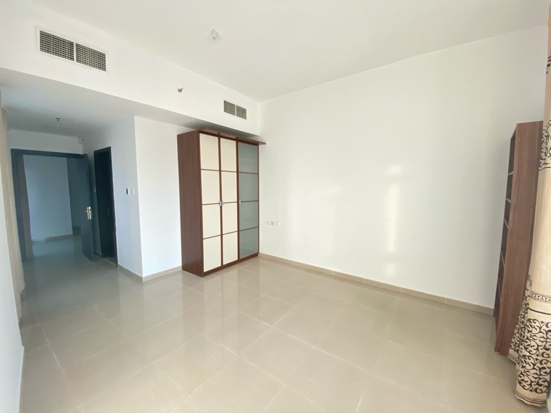 1 Bedroom Apartment For Sale in  Lake City Tower,  Jumeirah Lake Towers   1