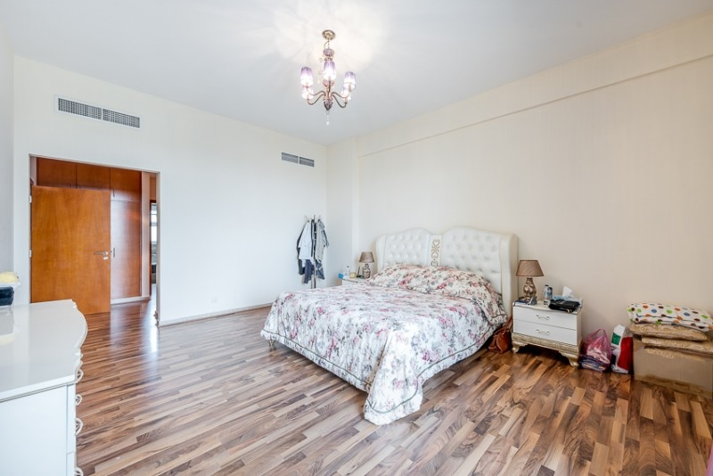 3 Bedroom Apartment For Sale in  Terraced Apartments,  Motor City   8