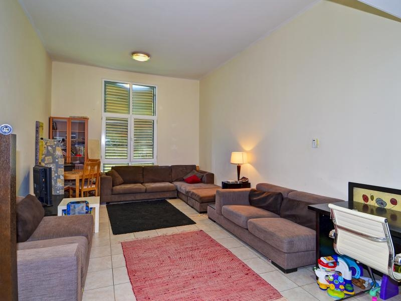 1 Bedroom Apartment For Sale in  Building 38 To Building 107,  Discovery Gardens | 0