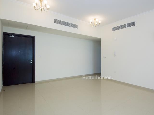 2 Bedroom Apartment For Sale in  Dec Tower 2,  Dubai Marina | 5