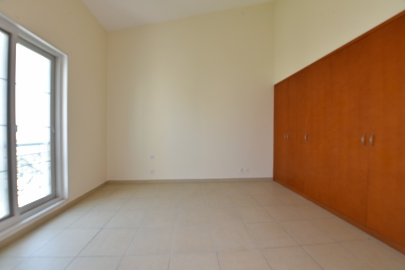1 Bedroom Apartment For Sale in  Northwest Garden Apartments,  Green Community   4
