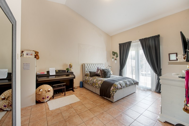 3 Bedroom Villa For Sale in  Townhouses Area East,  Green Community   6