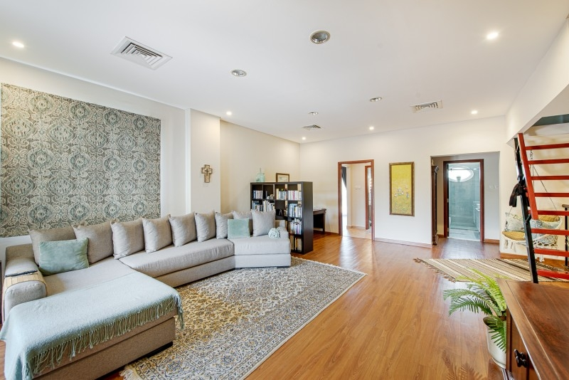 3 Bedroom Villa For Sale in  Townhouses Area East,  Green Community   2