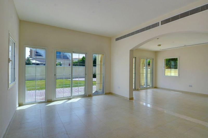 2 Bedroom Villa For Sale in  Mediterranean Villas,  Jumeirah Village Triangle   9