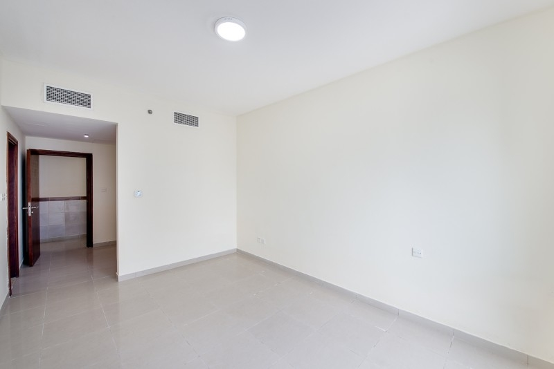 3 Bedroom Apartment For Sale in  Lakepoint,  Jumeirah Lake Towers | 9