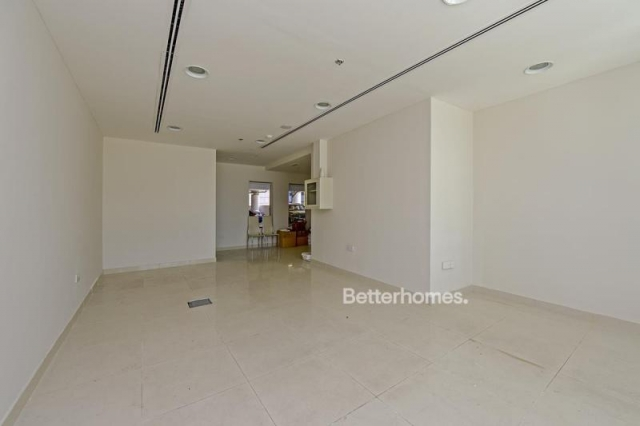 retail for sale in business bay, the binary tower | 2