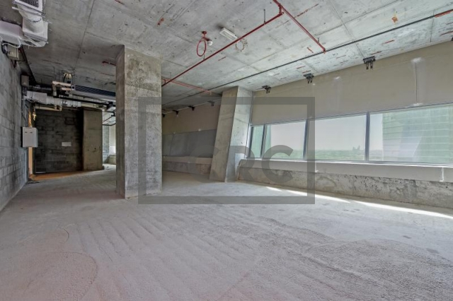 8,262 sq.ft. Office in Business Bay, Iris Bay for AED 6,100,000